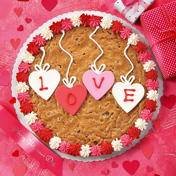 Heart Strings Cookie Cake